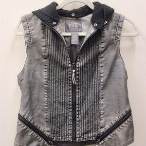BKE Women's Vest